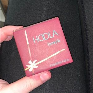 used HOOLA by benefit bronzer!!